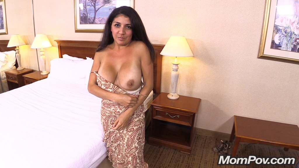 Share your amature latina milf nude pic variants.... something