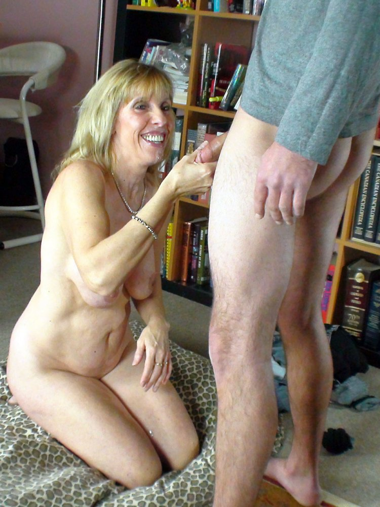 Free ebony milf video donwloads