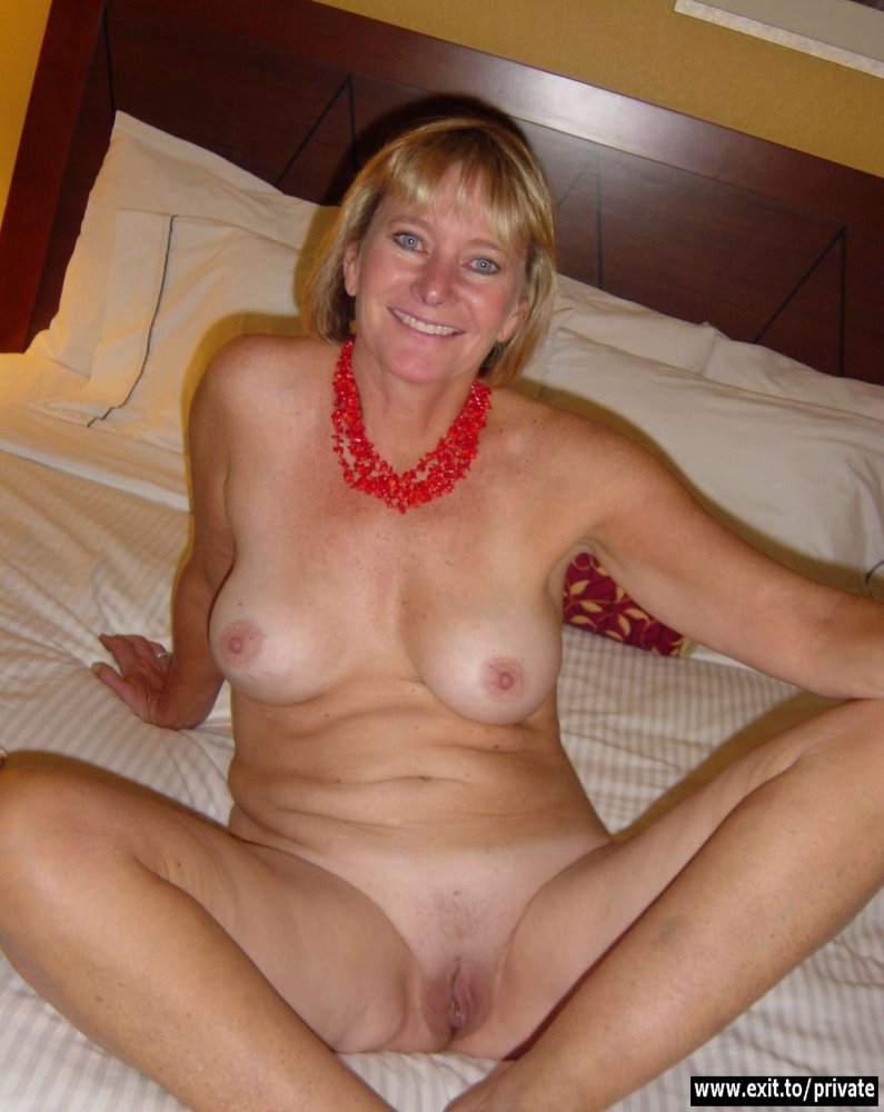 Hot milf mature mom-1790