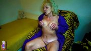 Blonde old woman fingering her hot pussy (16 pics)