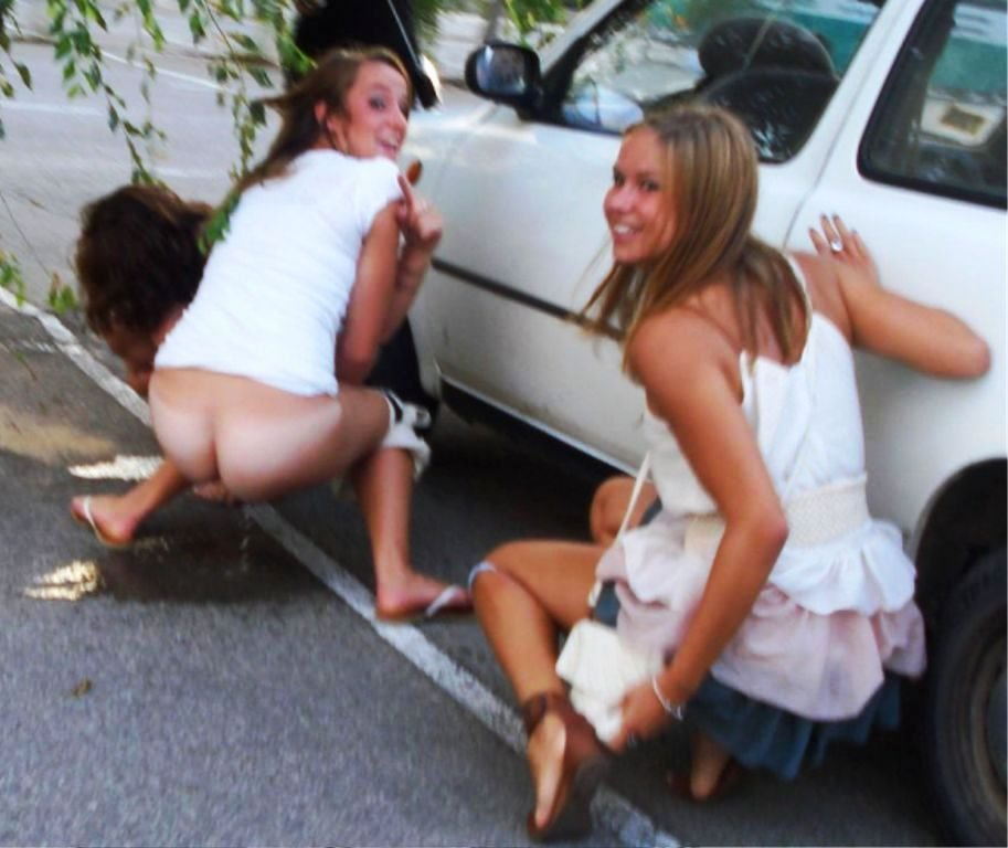 Girls pissing in cars