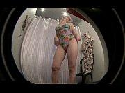 水着ショップで試着する美形外人さんを盗撮