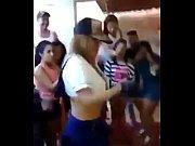 culo su untando bailando jovencita Edecan