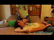 Молодая пухленькая и грудастая мама трахаеться с сыном