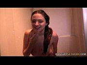 Карлик ебеть волосатую женскую пизду большими мандой видео