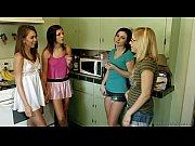 Quatro amigas novinhas lésbicas gostosinhas