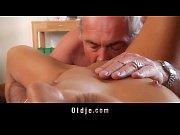 porno-kunilingus-starih-molodim