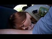 politseyskaya-v-rot-porno
