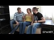 секс в анал с двумя мужиками
