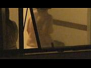 Flagrando vizinha pelada com janela aberta