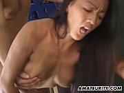Sexo entre esse pauzudo e a asiática elástica