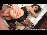 porno-v-kolgotkah-i-platyah-foto