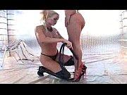 Парень трахает моналетнию подругу порн видео