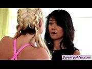 5 minute Lesbians Phoenix Marie n Dana Vespoli love fucking their ass porn video