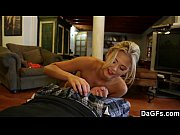 Порно видео пришёл домой к женщине