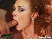 Порно онлай накрасила яркой помадой