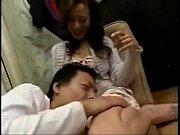 スレンダーな人妻に甘えてチンポをしゃぶってもらってからマンコを楽しむ。