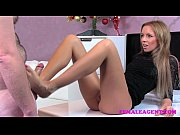 Picture FemaleAgent Bad Santa gets a great casting foot j...