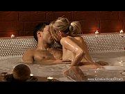 zakazal-dlya-zheni-eroticheskiy-massazh