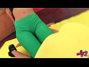 Safadas de calça colada se exibindo
