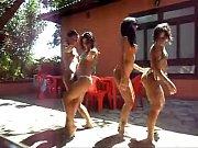 Várias gostosas dançando funk