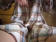 無防備なパジャマ姿でM字開脚オナニーを自撮りするエロ小娘ww - muryouero.comスマホ iPhone Android 無料エロ動画