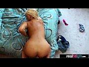 качественные фотки голые девушки позируют без трусиков фото галереи