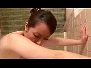 お風呂にて、素人女性の近親相姦無料obasan動画。       【近親相姦セックスものエロ動画】垂れパイを揺らしながらお風呂で後背位セックス