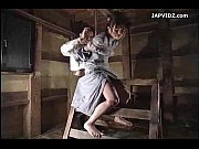 三角木馬で緊縛されてスパンキングされる人妻奴隷 | 無料アダルト動画速報