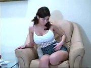 Видео жена вернулась с гулянки а муж-раб чистит ее сапоги