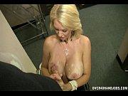 смотреть видео про голых зрелых дам