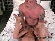 porno-dyadya-viebal