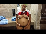Picture Pregnant bitch from Davenport, IA show off h...
