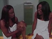 Lesbicas negras transando no vestiário