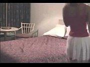 Подружка наблюдает мастурбацию подруги