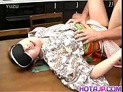 จับเมียปิดตาทำท่าจะเย็ดแต่ให้คนอื่นสวมรอยเย็ดแทน ไอ้ผัวเลว Japanese Milf – 10 Min