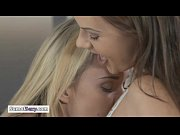 порно молодые лезбиянки видео