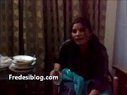 Desi Girl and Boy Enjoy in Hotel Room With Hindi Audio, desi geet sajanwa bairi huegay Video Screenshot Preview 1