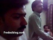 Desi Girl and Boy Enjoy in Hotel Room With Hindi Audio, desi geet sajanwa bairi huegay Video Screenshot Preview 2