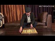 Picture Papa deja el ajedrez y juega conmigo
