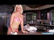 Anikka Albrite licking up his