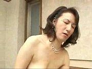 【大城真澄】童貞大好き鬼畜母さん!息子に手とり足とりセックスを教える変態ババア!