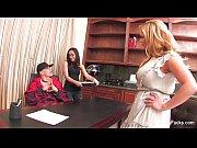 С другом трахнули жену гости порно видео