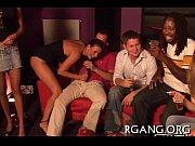 Взрослые женщины с молодыми парнями смотреть порно