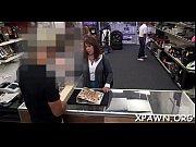 порно видео брат увидел как сестра переодевается и не удержался