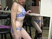 Super sexy older lady i...