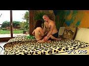 видео возбуждающий поцелуй двух лесби