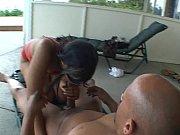 thick ebony slut does anal outdoors