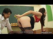 【無修正】美女が教室でオナニー見せびらかしの無料エロ動画