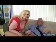 Picture Platinum blonde BBW Klaudia Kelly takes a fa...